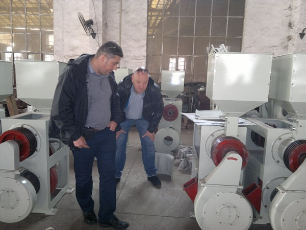 Bulgaria Customers Come to Our Factory